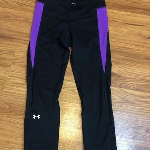 Under Armour Black & Purple Small Capri Tights